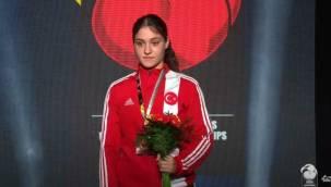 Milli boksör Büşra Işıldar Dünya şampiyonu oldu