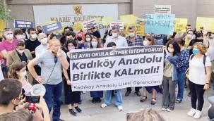 Kadıköy Anadolu Lisesi'nde yıkım ve bölünme protestosu