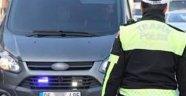 İstanbul İl Milli Eğitim Müdürü'nün kendine ceza yazan trafik polisini açığa aldırdığı iddiası