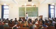 Kadın akademisyen sayısı 5 yılda yüzde 13 arttı