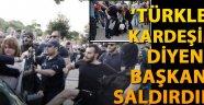 'Türkler kardeşim' diyen Selanik Belediye başkanına saldırdılar!