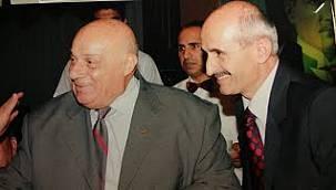 Rahmetli Rauf Denktaş, Türk Eğitim-Sen başkanı Mehmet ARSLAN'ın davetlisi olarak İstanbul'daydı...